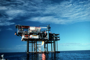 Thumb_csiro_scienceimage_1905_oil_and_gas_drilling_platform