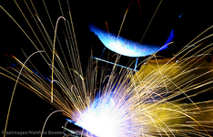 Thumb_welder_freeimages_matthew_bowden