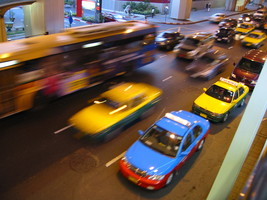 Thumb_taxis-in-bangkok-1473455