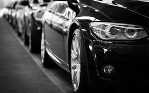 Thumb_automobiles-automotives-black-and-white-70912