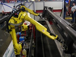 Thumb_1200px-fanuc_6-axis_welding_robots