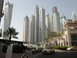 Thumb_800px-dubai_s_internet_city