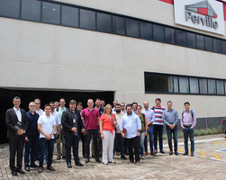 Thumb_evento-joinville_cluster_industria_40