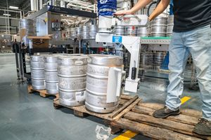 Thumb_barrel-beer-brewery-1267332-compressor