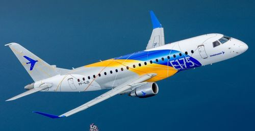 Large_embraer_e175-menor