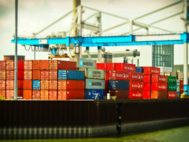 Thumb_01containerport-1569694_1920